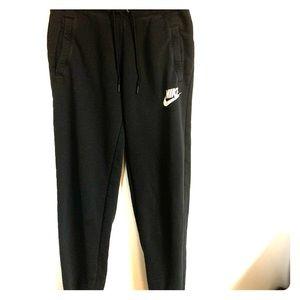 Black Nike joggers size xs
